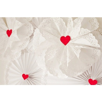 OMG! HOW BEAUTIFUL! Doily Wreath Tutorial via @celebrationsathomeblog #Valentine's Day #crafts