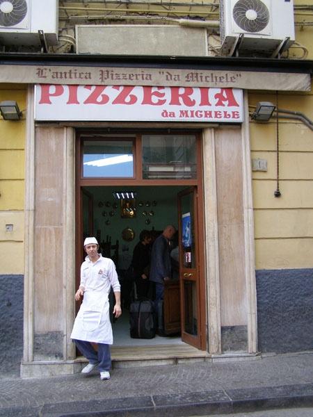 L'Antica Pizzeria de Michele, Naples