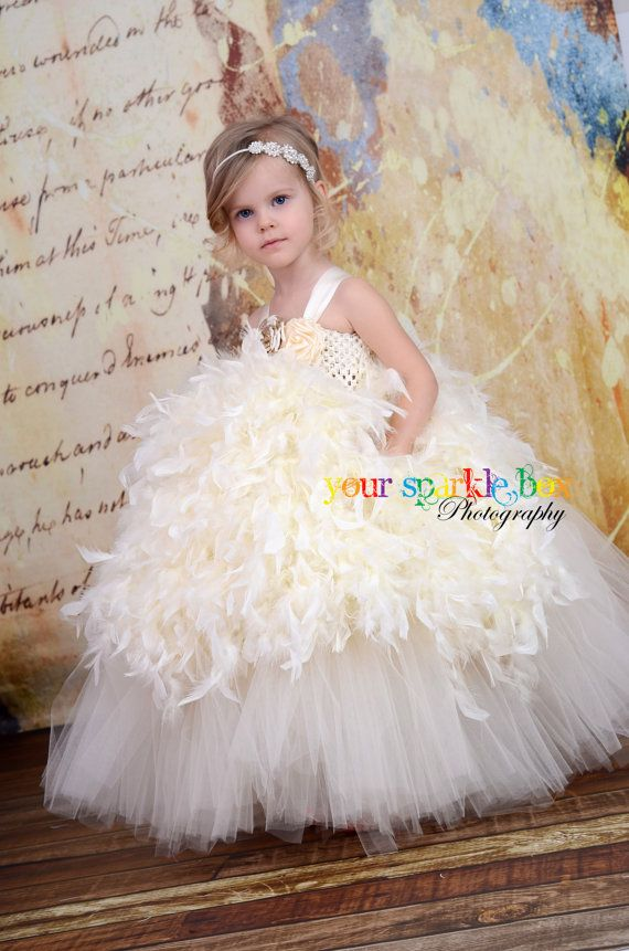 Absolutely gorgeous and I could totally make these for my sweet flower girls.