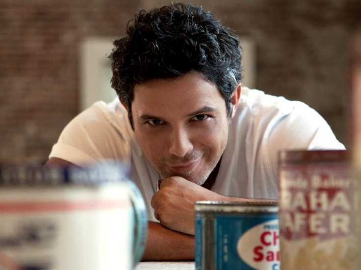 Madrid's finest: Alejandro Sanz; Spanish singer-songwriter and musician. OLE!!