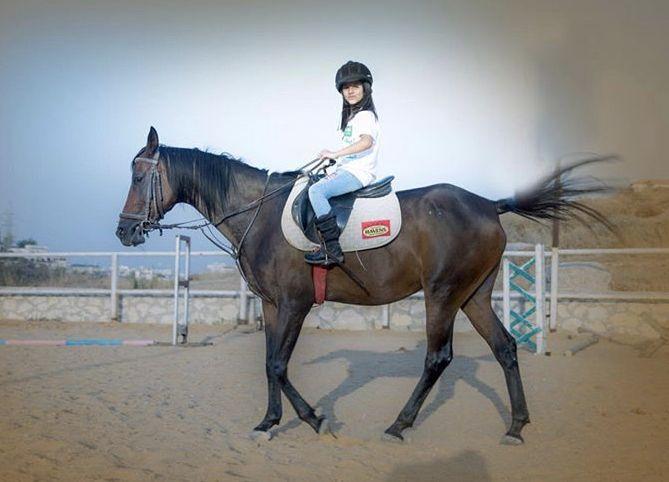 بتحبوا ركوب الخيل زينة وسيم Animals Horses