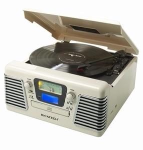 Ricatech RMC100 Retro Platenspeler, 5 in 1 Music Center B. De Autorama is een vintage icoon die je doet herinneren aan de schone, gestroomlijnde styling van de klassieke auto's uit de jaren 50. Deze schoonheid brengt je terug naar de dagen van drive-ins en diners. Deze platenspeler beschikt over een AM / FM-radio, een 3-snelheden platenspeler. Ook heeft deze de mogenlijkheid om direct muziek op te nemen vanaf de platenspeler naar USB of SD