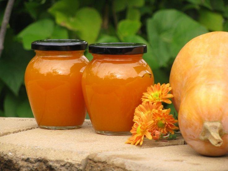 Ínyenc lekvárt főzhetünk az ősztől kapható, télen egyre olcsóbbá váló sütőtökből! A narancsszínű lekvár ráadásul nemcsak édességként, hanem chutney-ként is megállja a helyét. Hogyan?...