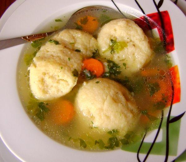 domaca supa sa griz knedlama