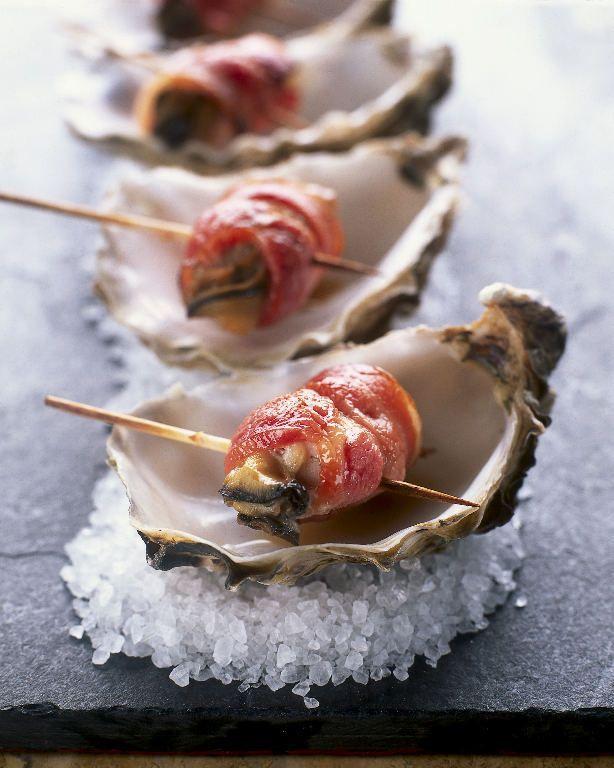 Ik weet niet wat ik hiervan vind, keertje proberen? ❤️ oesters * les huitres bacon *