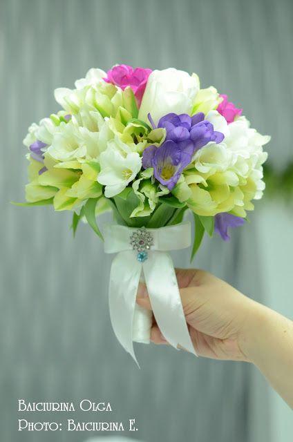 Весенний свадебный букет из тюльпанов и фрезии! Свадебный букет невесты.