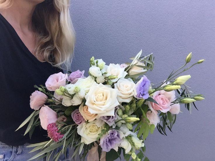 Tammy's bouquet ~ Lu Diamond Flowers