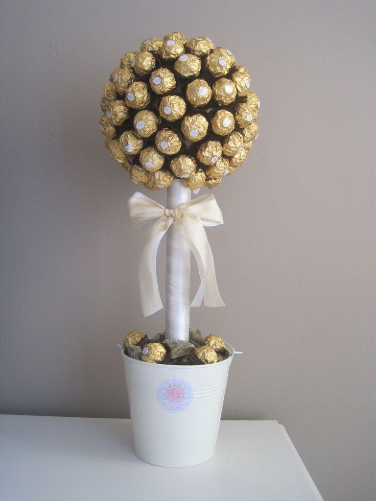 Ferrero Rocher tree with simple white colours