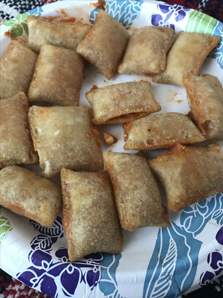 Air fryer frozen pizza rolls 10 mins on 400 degrees Shake