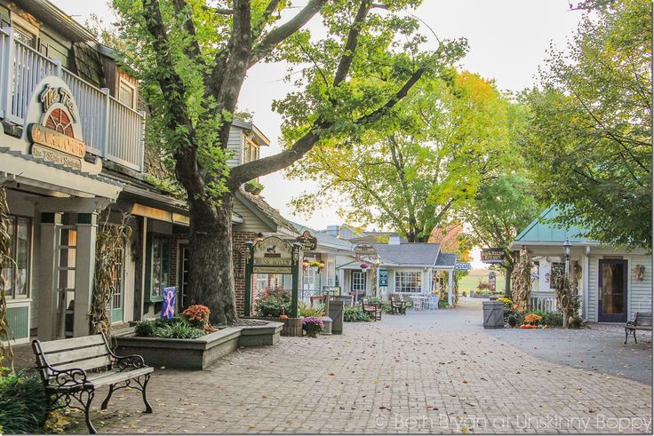 Must see vacation: Lancaster PA Amish Country at Kitchen Kettle Village in the Fall #LancasterPA
