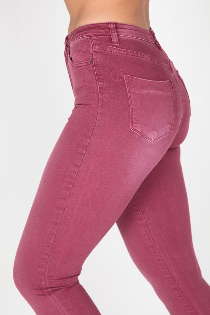 #Jeans de talle alto #granate #moda #casual #yesswear #pantalones