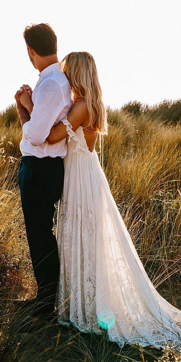24 Unforgettable Seaside Vacation spot Wedding ceremony Attire