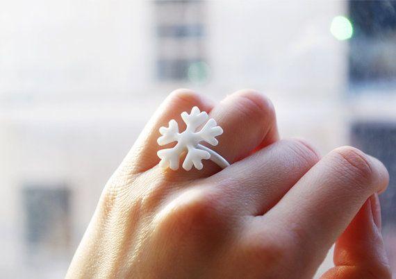 Snowflake porcelain ring, snowflake ceramic ring,Ceramic porcelain jewellery,birthday gift,unique unusual Christmas gift,Christmas ring,cute on Etsy, 340,14Kč
