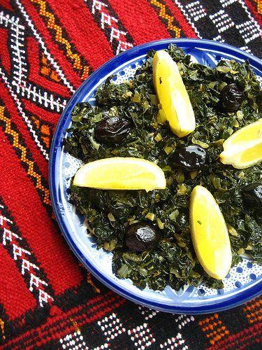 Algerian Sautéed Kale with Cumin and Smoked Paprika / Chou frisé sauté au cumin et paprika fumée (recette algérienne)