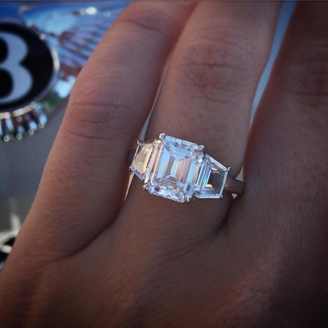 Top 10 Reasons to Buy a Pre-Owned Engagement Ring