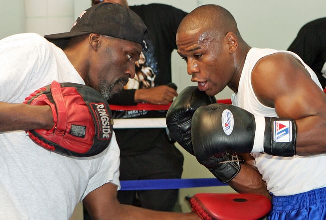 Floyd Mayweather, Jr. w Uncle-Trainer, Roger Mayweather