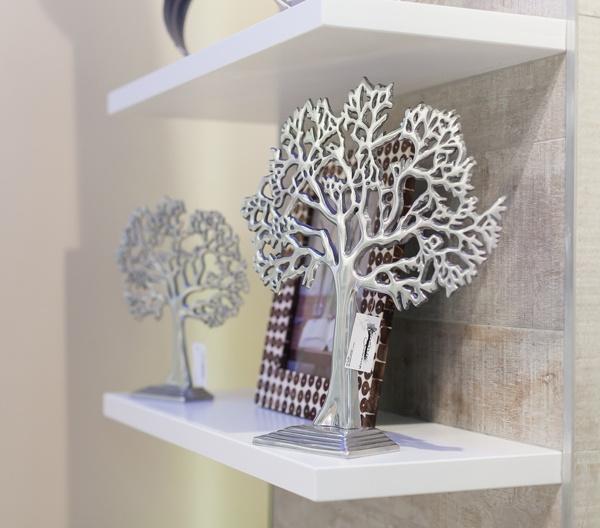 Stand detail   Decorative metal tree