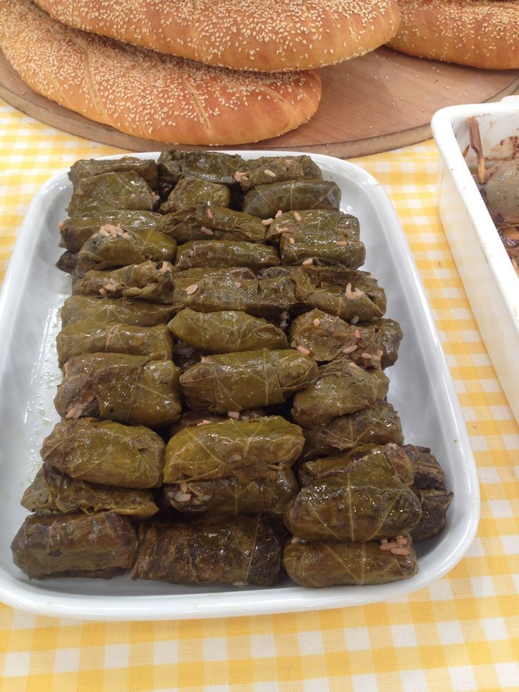 Stuffed Wine Leaves (Dolmadakia) http://www.instyle.gr/recipe/ntolmadakia/