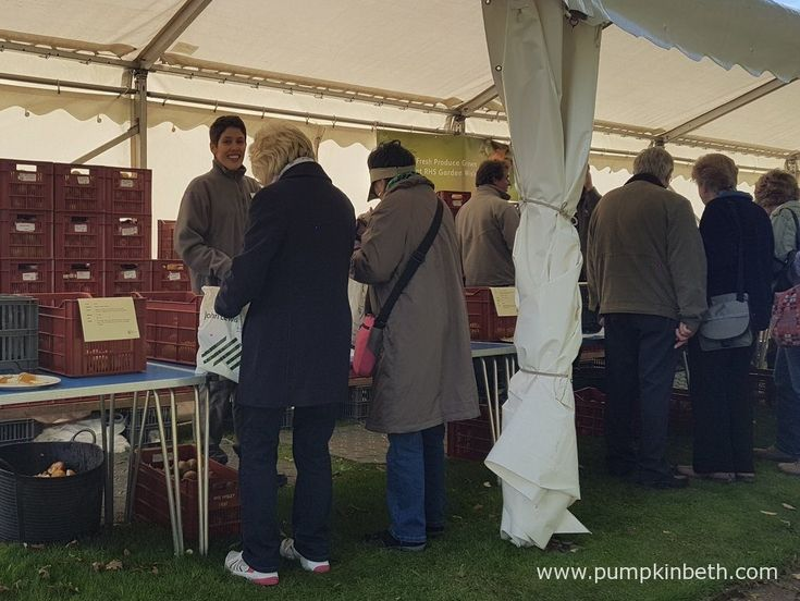 If you're interested in tasting different varieties of apples, you might be pleased to know that there's an apple tasting tent at Taste of Autumn, at RHS Garden Wisley. This year Taste of Autumn runs from the 19th to the 23rd October 2016.