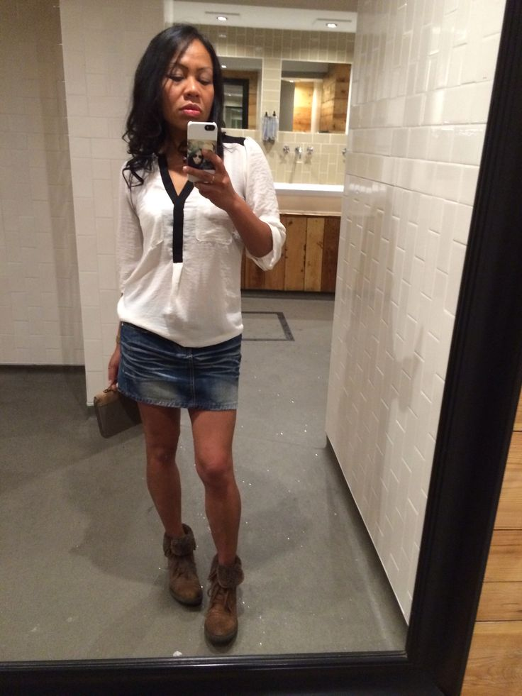 White top + denim skirt + ankle boots = great casual outfit