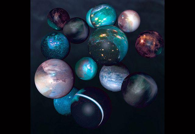 Die Physik hat Welten weit jenseits des Alltäglichen erobert, zumindest in Gedanken. Die Stringtheorie etwa erforscht den Kosmos des Allerkleinsten. Ihr zufolge setzt sich das Universum aus vibrier…