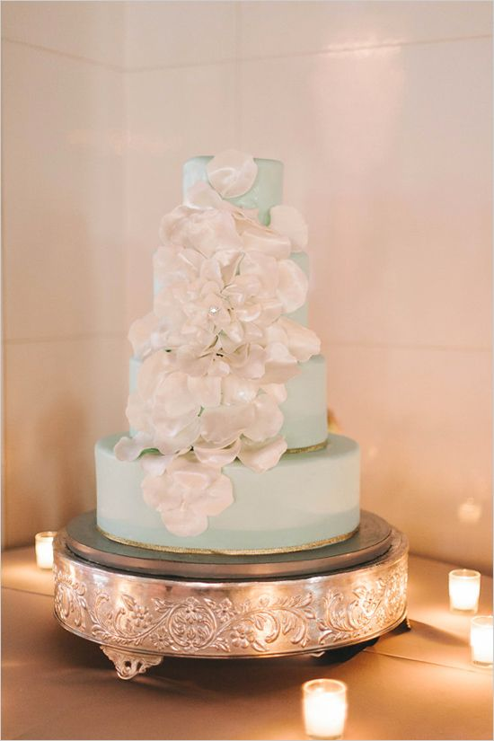 mint and gold wedding cake decorated with white petals #mintweddingideas @mintweddingcake #weddingchicks http://www.weddingchicks.com/2013/12/19/glamorous-philadelphia-wedding/