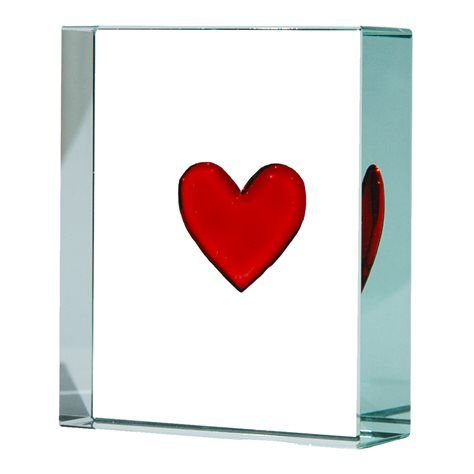 Our Classic Red Heart Token was the first piece we made as part of our collectable gifts. Simple, precious and meaningful. We love the reflections that can bounce off this token. #glass #gifts #token #keepsakes #hearts