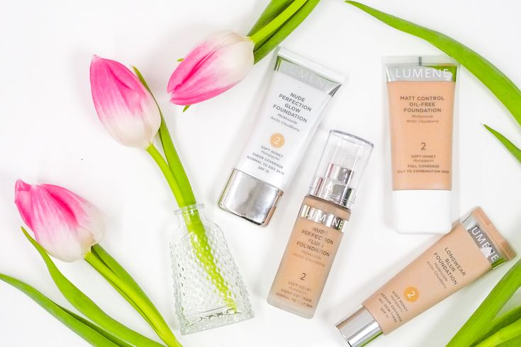 Different foundations for different occasions! Photographed by blogger Lilou's Crush. #foundation #lumene