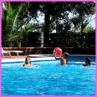"""Prezzi """"colorati""""…aumenta la convenienza all' #HOTELHAWAY  di Villarosa: Dal 31/05 al 15/06 giugno, dal 26/07 al 3/08, dal 16 al 31/08 e dal 7 al 21/09 settembre la formula """"Verde"""" è al prezzo di quella """"Azzurra"""" e la formula """" Turchese"""" al prezzo della """"Gialla"""". VIVA I BIMBI Noi non paghiamo! Gratis 2 bambini che fino a 2 anni in camera con i genitori fino al 08/06 e dopo il 07/09. Gratis un bambino che non ha compiuto 12 anni in camera con i genitori fino al 22 giugno e dopo il 23 agosto."""