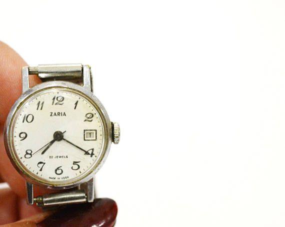 Women's watch Wrist watch Zarya Mechanical watch Soviet