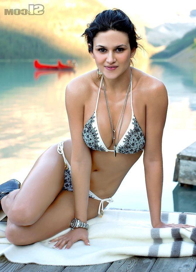 Leryn Franco in Bikini -13 | GotCeleb