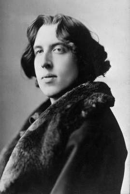 I consigli di Oscar Wilde agli aspiranti scrittori    http://www.sulromanzo.it/blog/i-consigli-di-oscar-wilde-agli-aspiranti-scrittori
