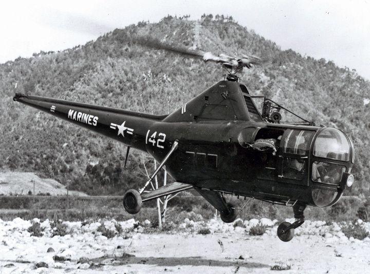 Sikorsky S-51/HO3S-1/H-5F, G, H. USMC HO3S-1 departs with wounded Marine Korea 1951.