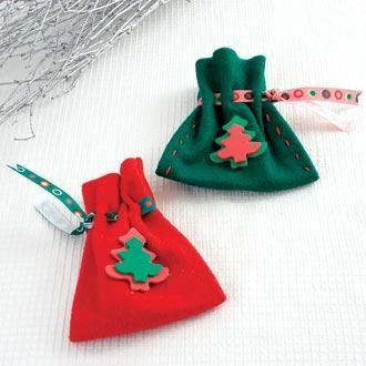 Christmas Felt Projects | Christmas Felt Pouches by: HollyRoche Christmas Advent Calender
