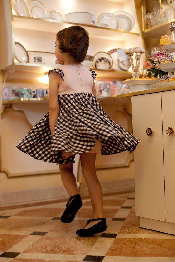 Rochita Ballerina Wings - Hey Princess - Rochite fetite, Rochite printese - Rochita cu volane clos din bumbac imprimat in carouri roz/negru cu bust din bumbac roz, captuseala din bumbac natural, usor de purtat, este exceptionala pentru a impresiona audienta oricarei petreceri prin modul perfect in care se invarte.