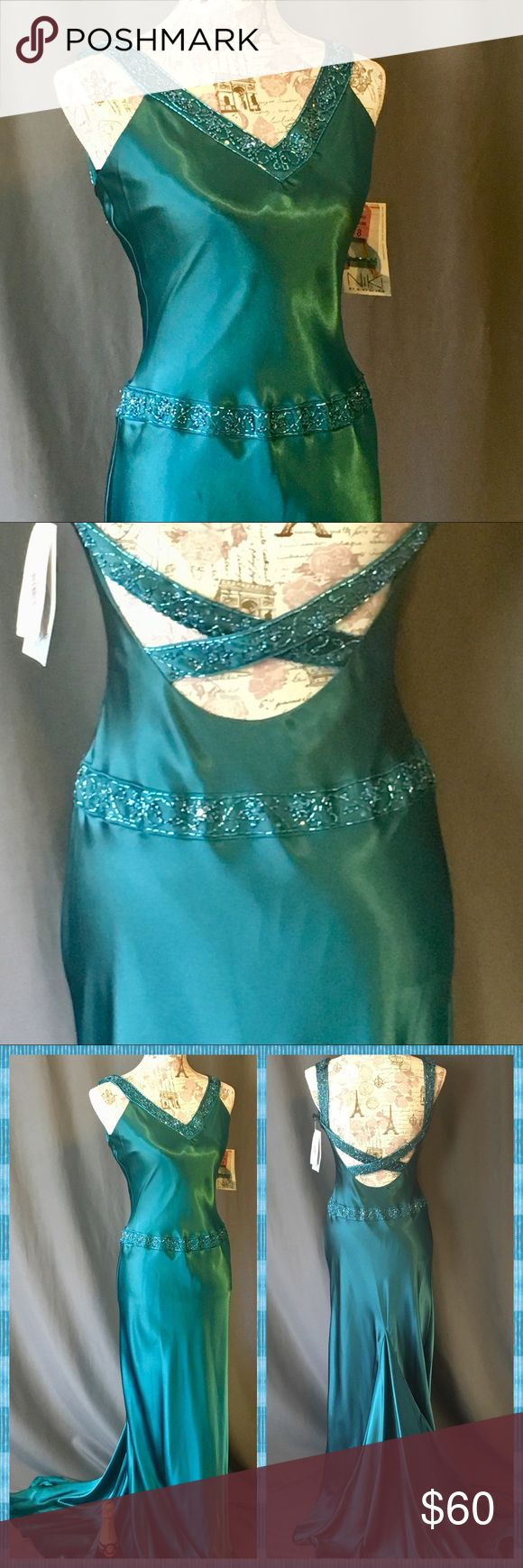 NWTS-Niki Livas Turquoise Green Evening Gown💠 SZ8 NWTS-Niki Livas Evening Gown/Bridesmaid Gown! Just spectacular... pictures tell words on this! Modeled on SZ 6 mannequin, there's room to its SZ 8. Fishtail hemline (could be altered to straight hem easily).  Especially nice for Galas or weddings where just a single witness for 'Her🆒' Please Enjoy 💚💗🌟 Niki Livas Dresses Wedding