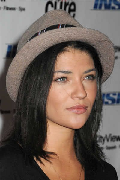 Jessica Szohr's hat is pulled way back to show off her blue eyes. Her hair is worn straight and simply so that the hat really takes center stage. This is a woman who clearly knows hat style!