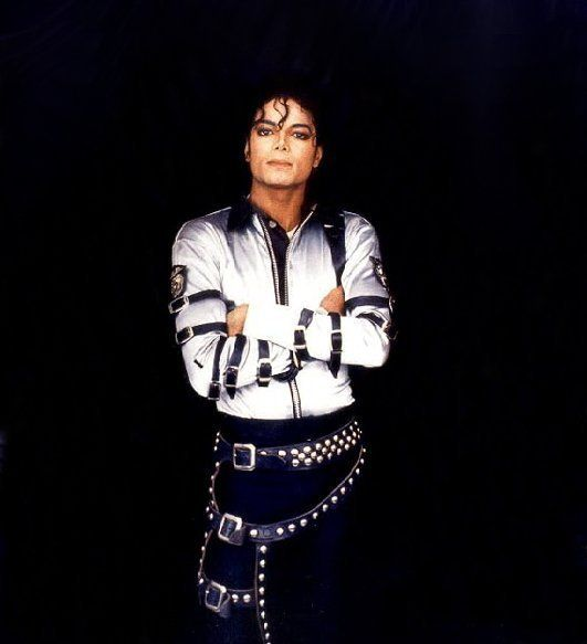 A King is nothing without his subjects.  Michael loved his fans!  Keeping the dream alive :)