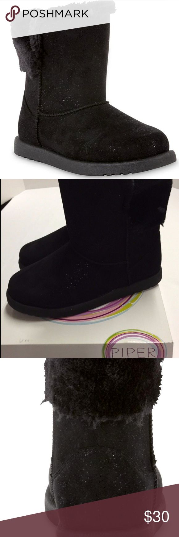 Youth Girls Boots Black Sparkle Size 5 NEW Youth Girls Boots ~ Black Sparkle ~ Size 5 ~ Piper Cindy Cozy Child Boots ~ Kids Casual Winter or Fall Fashion Style Shoes ~ Keep her toasty in trendy style with these girls' Cindy cozy boots. The faux fur collar makes these mid-calf boots a prime fashion pick for the season, along with a soft faux suede upper that's speckled with flecks of glitter. A side zipper helps ease her feet in and out. A sturdy rubber sole means she can trek anywhere with…