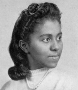Marie Maynard Daly (16 abril 1921 hasta 28 octubre 2003) fue un bioquímico estadounidense. Ella fue la primera mujer afroamericana en el Estados Unidos en obtener un doctorado en la química (expedido por la Universidad de Columbia en 1947).