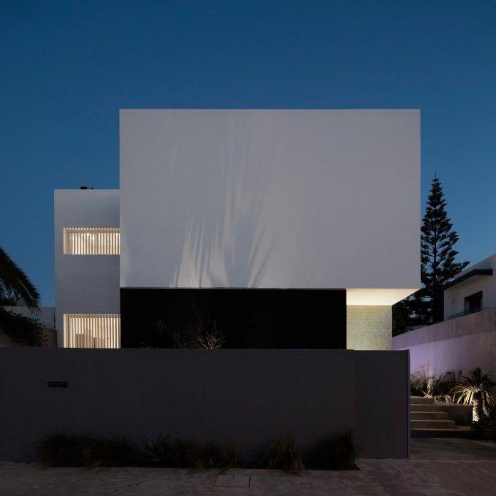 914 best Modern homes images on Pinterest | Modern contemporary ...