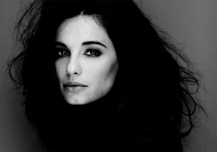 Francesca Chillemi  Makeup: Valentina Raimondi Photo: Giovanni Gastel #makeup #beauty #smokyeyes #francescachillemi #valentinaraimondi #giovannigastel #celebrities #blackandwhite #b&w