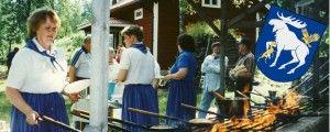 Idag är det ingen vanlig dag för idag är det Jämtlands nationaldag – hurra, hurra, hurra! Den 12 mars hissar alla jämtar upp flaggan på topp. Vi på Min Matlåda firar detta med ett klassiskt recept på nordiska kolbullar – och så klart med lite messmör till! Kolbulle är en typ av frasigare pannkaka som(...)