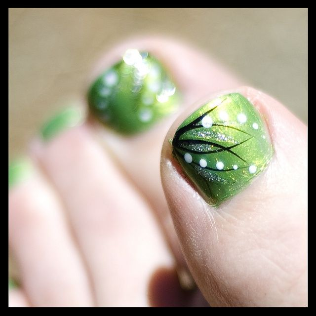 Green Toe Color With Line Designs Fingers And Toes Nail Art Nails