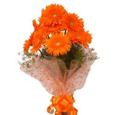 Express your love and divine towards your dear and loved ones by gifting fresh #orange #gerberas. http://www.deliverfeelings.com/fresh-flowers/basket-arrangements/sunshine-with-charm.html
