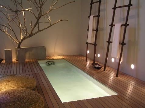 Me encanta la idea de los focos a ras de suelo y los que bañan el suelo directamente...da una luz muy relajante