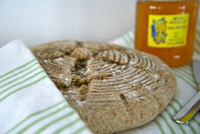 Speltbrood.   Ik gebruik 1,5 thl zout en geen karwijzaad. Is ook lekker