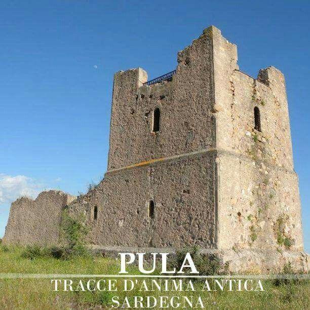 Angoli di #Pula rimasti fermi nel tempo #SaTurrita resti dell'edificio costruito verso la metà dell'Ottocento #DestinazioneSardegna  #SudSardegna #VisitPula #Sardinia #Discovering #Storia #Cultura #VisitSouthSardinia #Sardegna #Turismo #Natura  Seguici su: www.pula.it  www.facebook.com/Pula.it www.instagram.com/pula_it www.twitter.com/pula_it plus.google.com/+pulaitalia www.pinterest.com/pulait/  [ Ph. @rsroberto ]