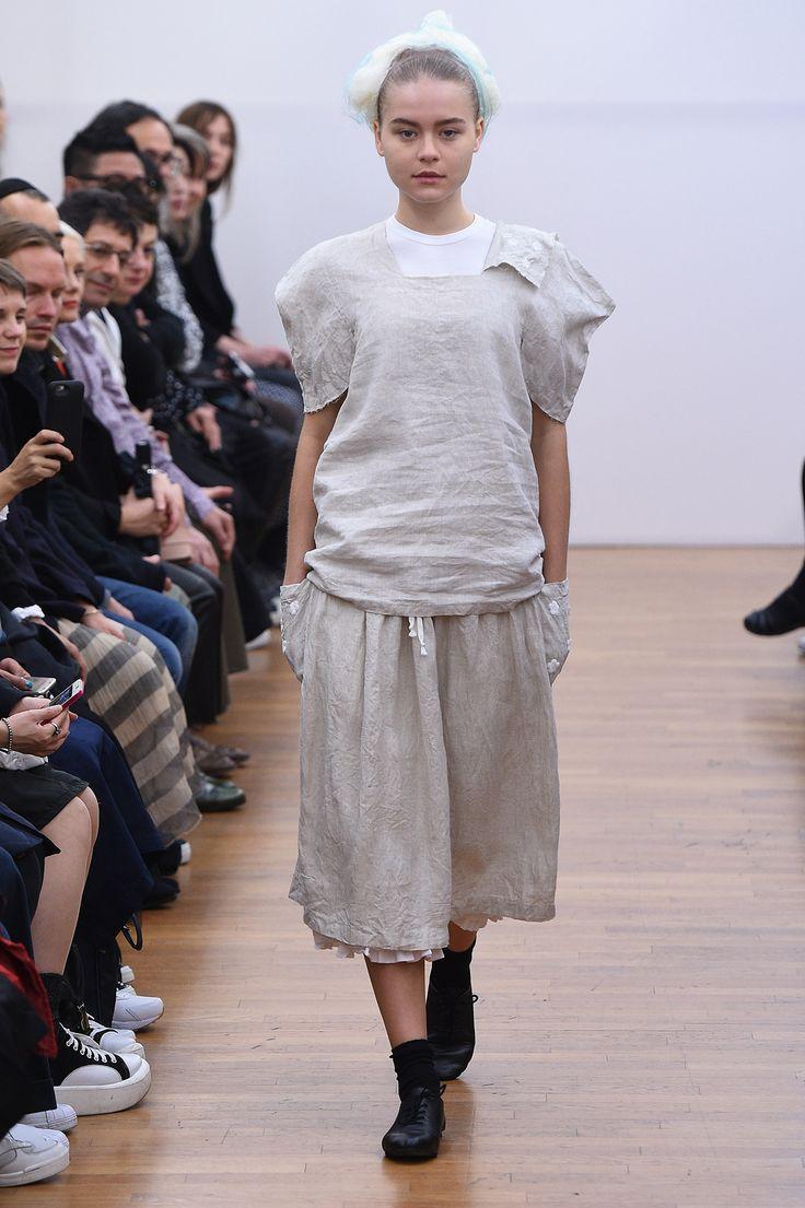 Comme des Garçons Comme des Garçons Spring 2016 Ready-to-Wear Collection Photos - Vogue
