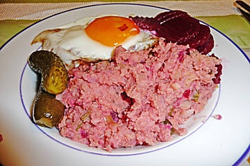 Labskaus, an original North German recipe! So easy to make!